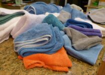 image of Pile of Car Detailing Towels for the best car drying towels review and buying guide